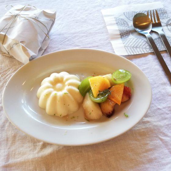 ハーバルシロップのマリネでデザート